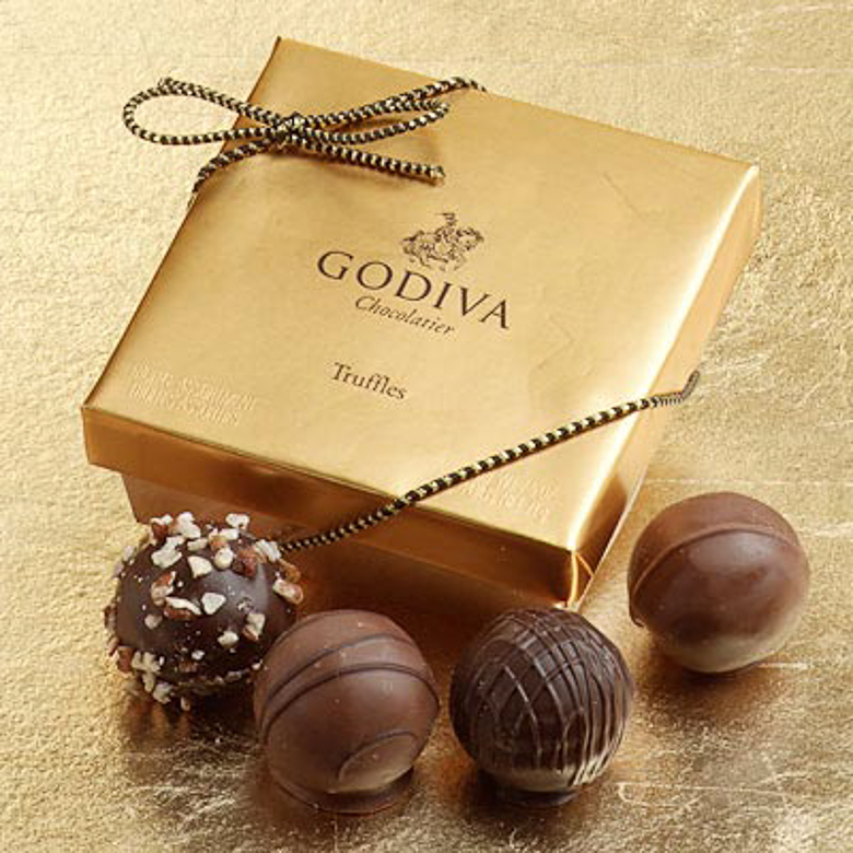 Godiva dining at Aventura Mall in Miami